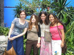 Photo: dia 2.10: Las Chicas do quarto 612