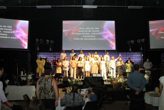 pascoa 2011 - Worship.jpg
