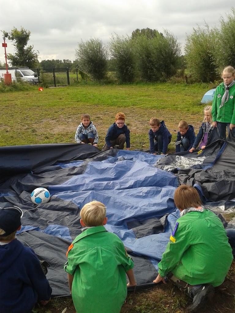 Welpen - Parachute - 2012-09-15%2B10.19.35.jpg
