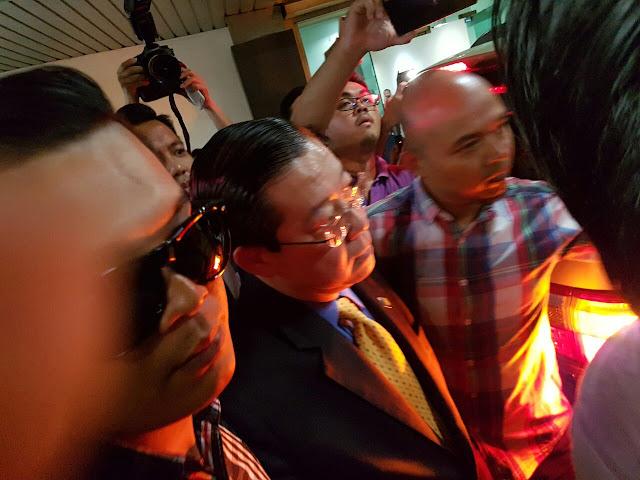 *100 Akhbar Seluruh Dunia melaporkan skandal di Pulau Pinang