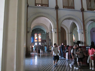 0008Notre_Dame_Cathedral_-_Saigon