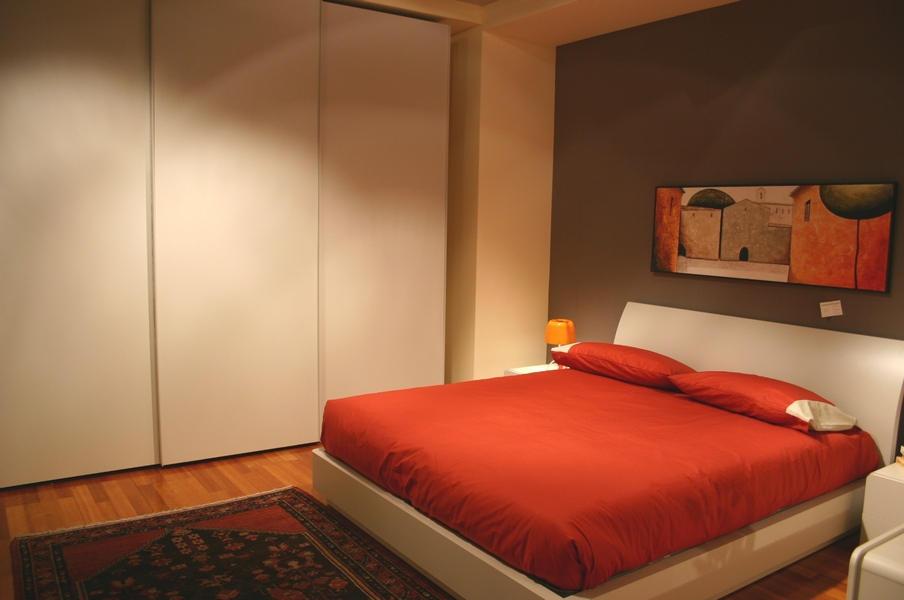 Camere da letto offerta di letti armadi armadi scorrevoli cabine armadio carminati e sonzogni - Camere da letto on line ...
