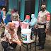Bhabinkamtibmas Bojongmalaka mengecek protokol kesehatan 4 M di Posyandu