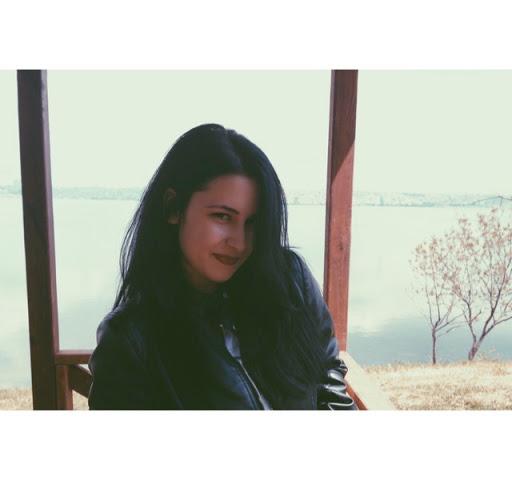 Begüm Saniyar picture