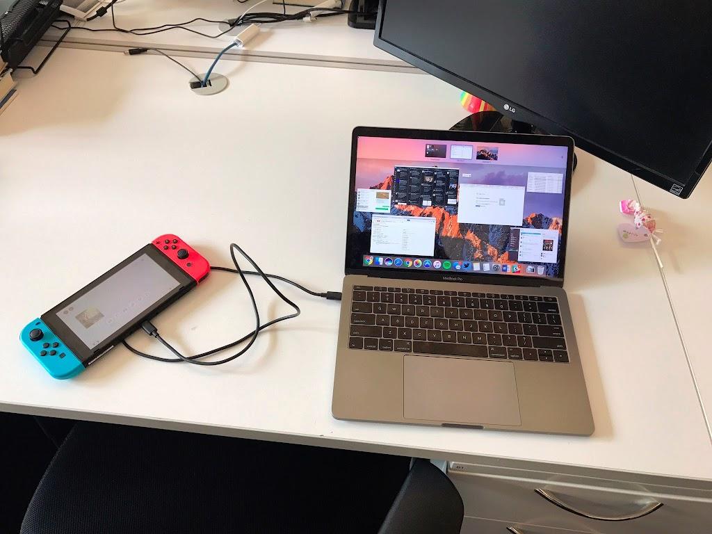 Nintendo SwitchはUSB-C接続でMacBook Proを充電可能、その逆(Switchの充電)もOK【更新】 - こぼねみ