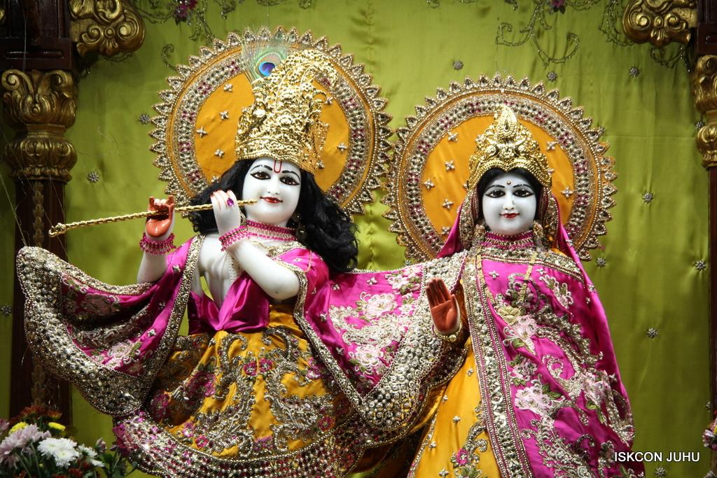 ISKCON Juhu Mangal Deity Darshan on 3rd Oct 2016 (24)