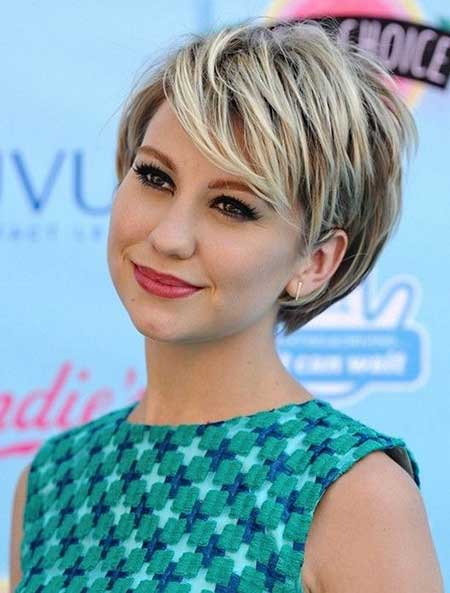 Latest Short Bob Hairstyles for Round Faces 1