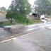 Ventos fortes derrubam árvore e mulher é atingida por galhos no Nortão