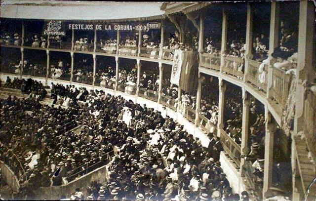 1909. Plaza de toros.