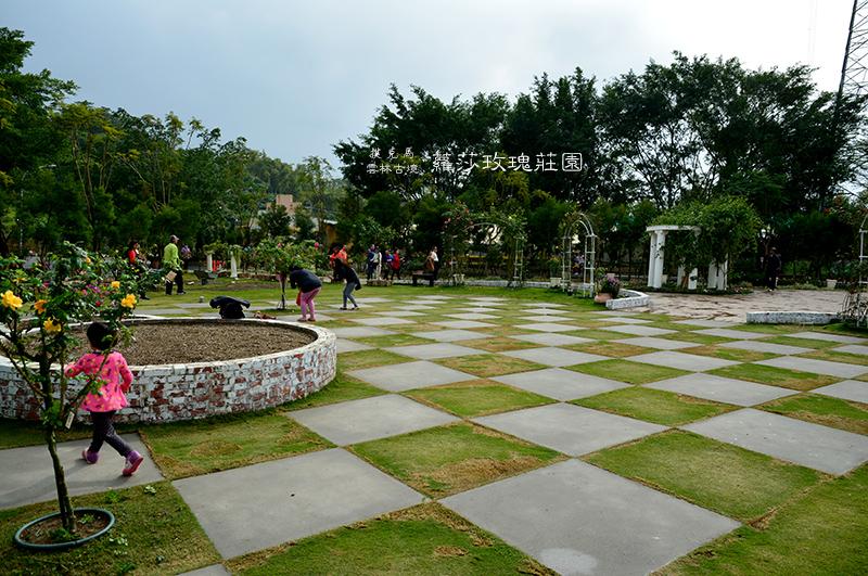 蘿莎玫瑰莊園棋盤式花園