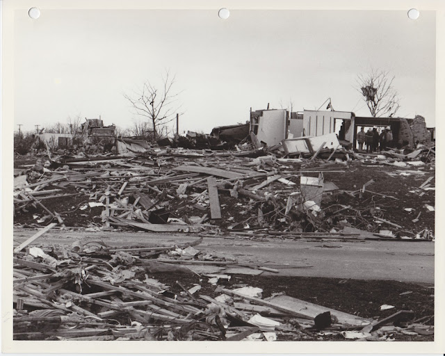 1976 Tornado photos collection - 7.tif