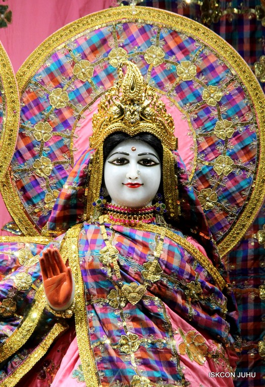 ISKCON Juhu Mangala Deity Darshan 09 April 2016 (54)
