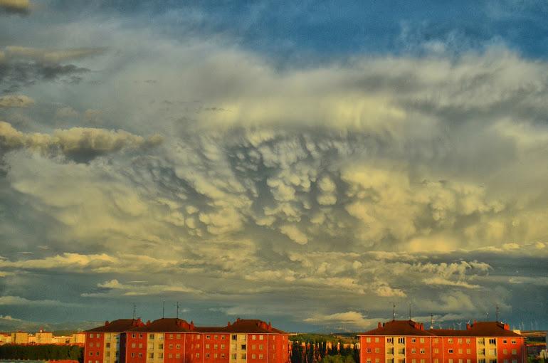 Los mammatus, las nubes mastodónticas
