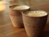 स्टेशन के अलावा एयरपोर्ट में भी कुल्हड़ में मिल सकती है चाय