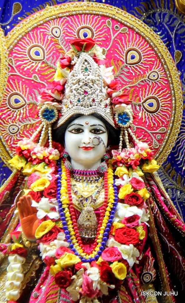 ISKCON Juhu Sringar Deity Darshan on 27th April 2016 (7)