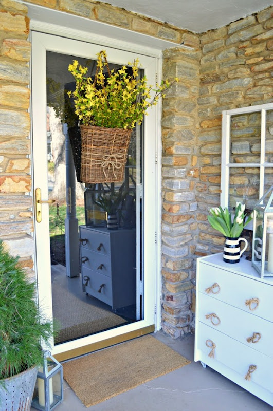 spring-front-door-basket-4-1