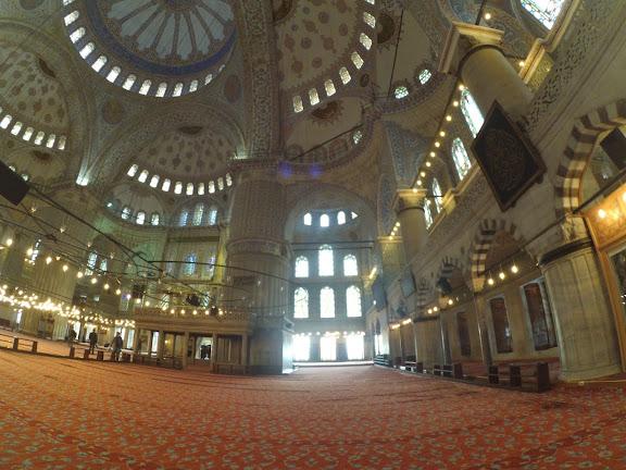 Блакитна мечеть всередині