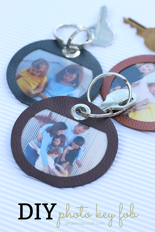 DIY Photo Key Fob at GingerSnapCrafts.com #DIY #madewithCricut