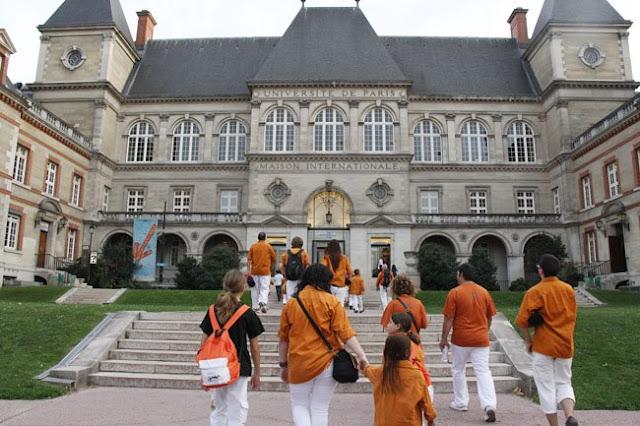 Sagals dOsona a París - 100000832616908_658440.jpg