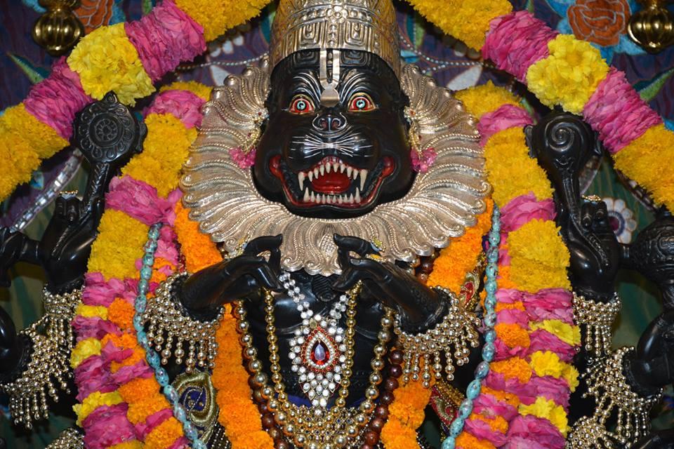 ISKCON Ujjain Deity Darshan 09 April 2016 (11)