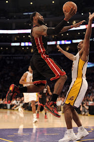 lebron james nba 120304 mia at lal 15 King James Brings Out Nike LeBron 9 Fairfax Away PE in L.A.