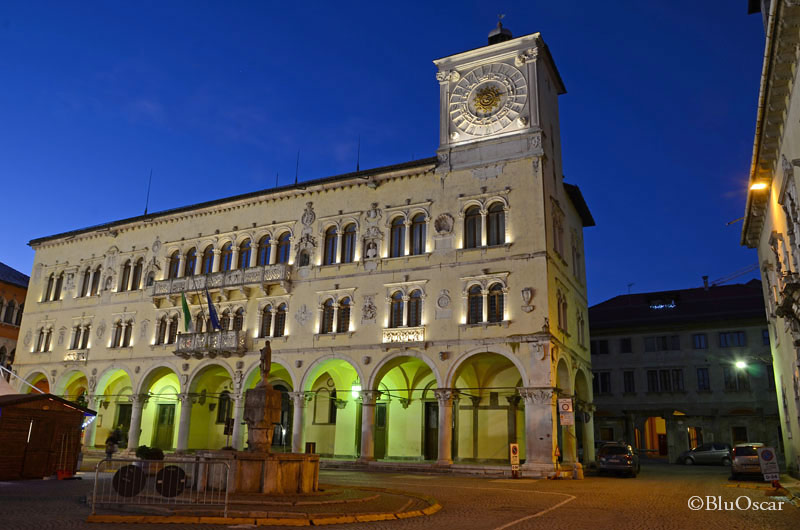 Piazza Duomo Belluno 06 01 2015 N4