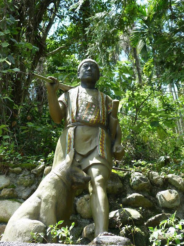 Puli  en passant , entre autres, par les villages de l ethnie Bunum de Loloko et Dili. J 10 - P1160858.JPG