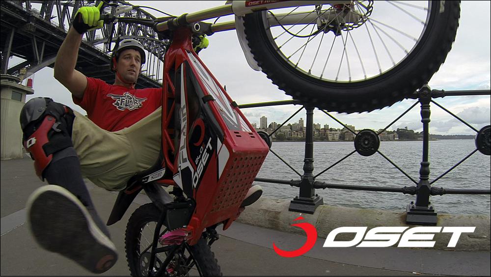 OSET_jack_field_sydney_loc_04_promenade_stunts_06a.jpg