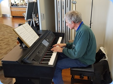 Claude Moffat playing the Yamaha Clavinova CVP-609,