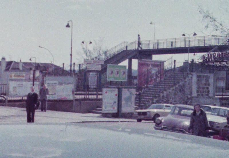 Photo: 1974年3月、初めて行ったときの写真が出てきたが残念ながら映画の陸橋とはすでに変わってしまっている。駅前カフェ前から南向き 『シベールの日曜日』 http://goo.gl/QY1gi