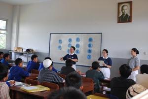 Chinaisasi di Madrasah demi Kepentingan Siapa?