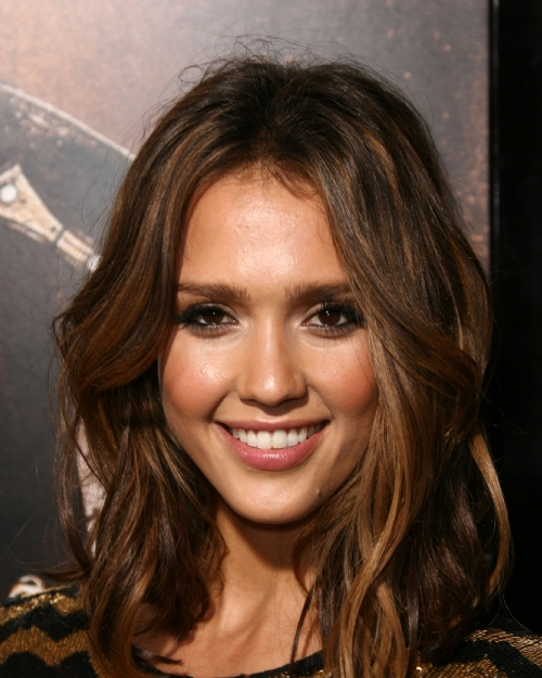 highlights for dark brown hair 2011. hair highlights for dark brown hair. highlights for dark brown hair