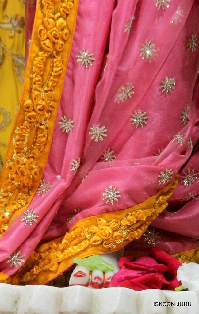 ISKCON Juhu Mangal Deity Darshan on 22nd July 2016 (1)