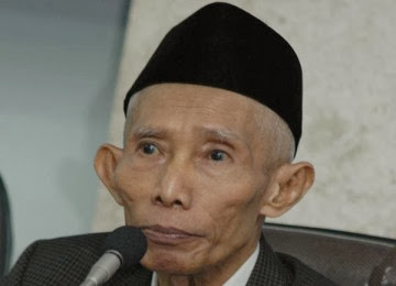 [PROFIL] KH SAHAL MAHFUDZ MENINGGAL DUNIA 2014 Riwayat Hidup Ulama Besar Indonesia