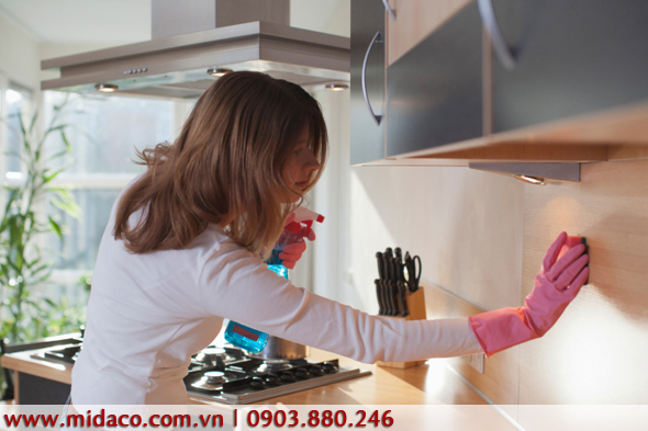 Không gian bếp gọn gàng, sạch sẽ với vài bước dọn dẹp cơ bản