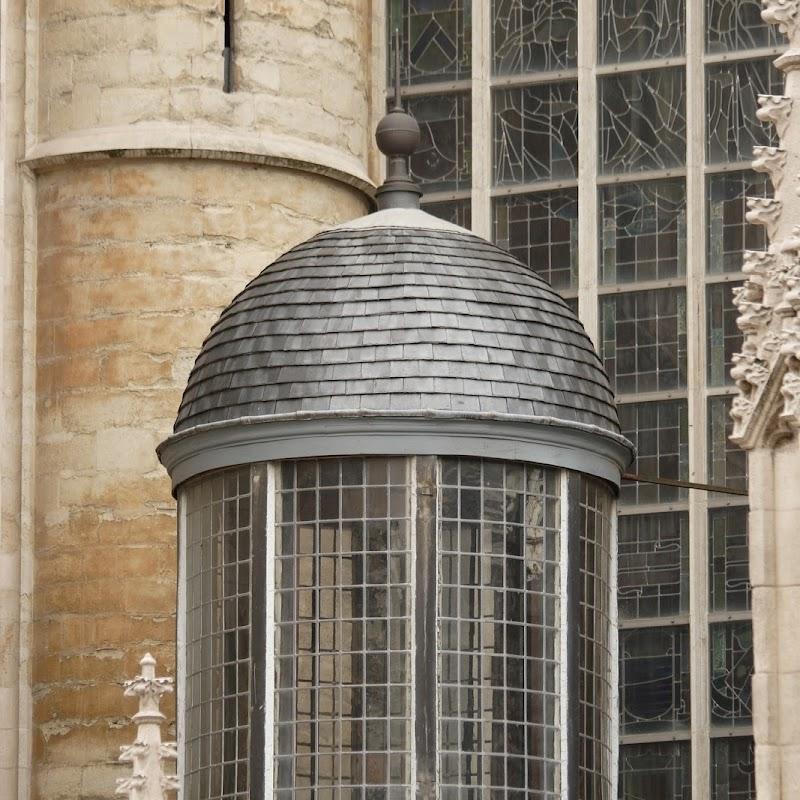 Brussels_039 Notre Dame du Sablon Glassware.jpg