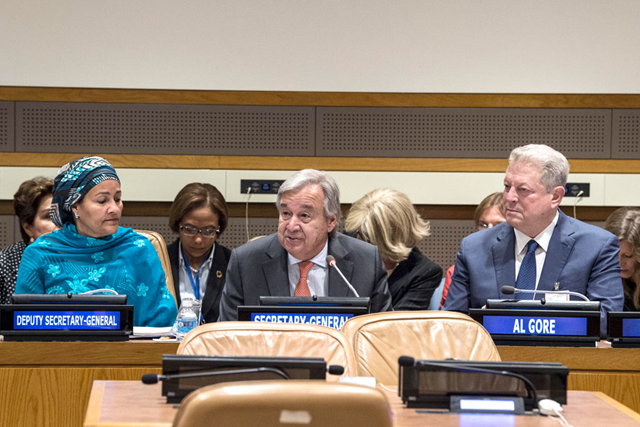Secretary-General António Guterres, speaks at the High-Level Stakeholders Meeting on Climate Change on 18 September 2017, as Deputy Secretary-General Amina Mohammed (left), and Al Gore (right), Chairman of the Climate Reality Project listen. Photo: Kim Haughton / UN Photo