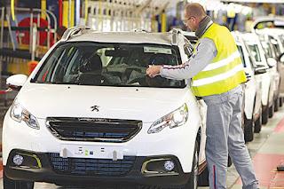 Projet Peugeot Algérie: Bouchouareb tranchera mercredi