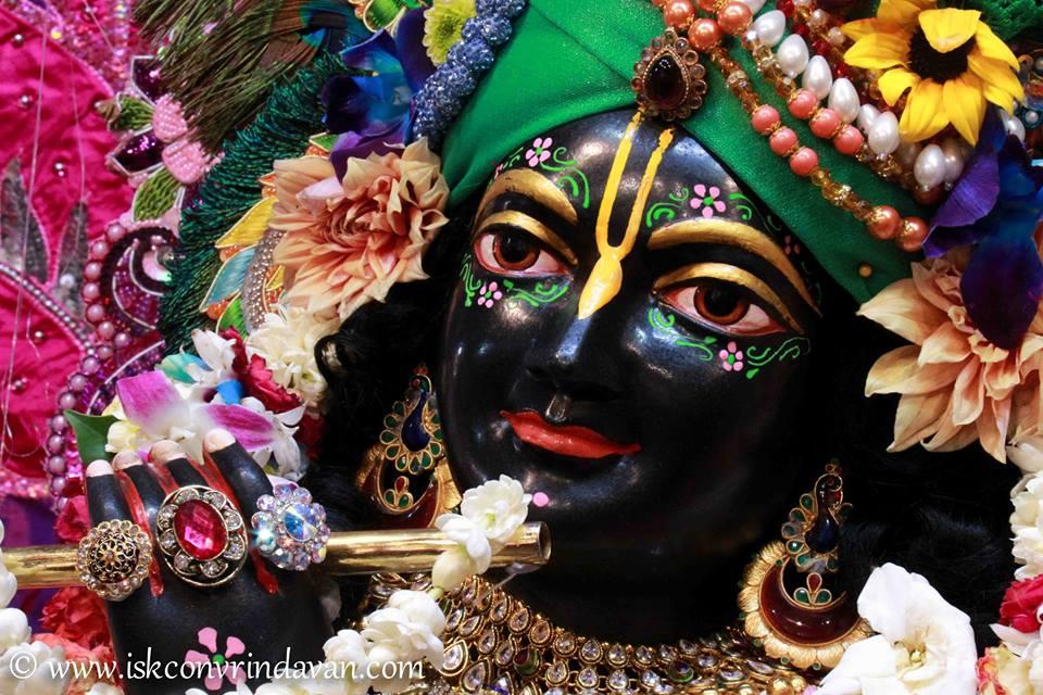 ISKCON Vrindavan Sringar Deity Darshan 08 April 2016 (9)