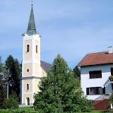 Crkva i župna kuća.JPG