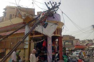 Dust storm, lightning strikes kill 125 in India