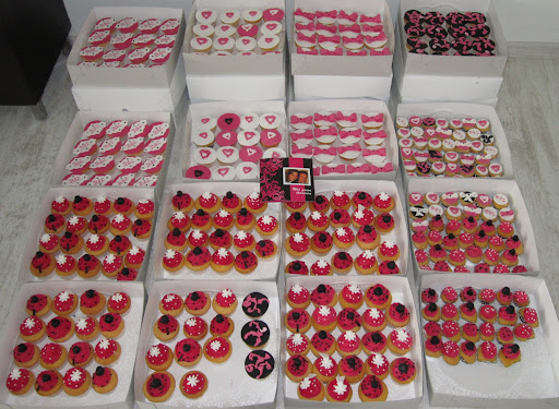 Cupcakes bruiloft Barry en Linda.JPG