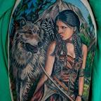 india guerreira e o lobo.jpg