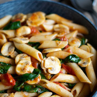Quick Pasta with Tomatoes, Mushrooms and Spinach.