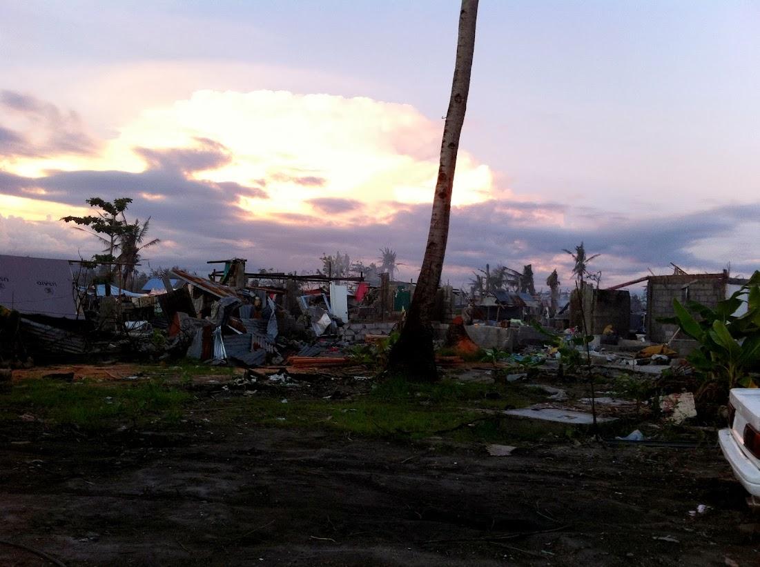 https://lh3.googleusercontent.com/-EBbOMEb4TPo/UtjqwI1K46I/AAAAAAAADNk/9pvu_LgvzLo/w1101-h822-no/san-jose-tacloban-relief-003.jpg