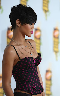 Rihanna Hairstyle picture Gallery - Hairstyle ideas for girls