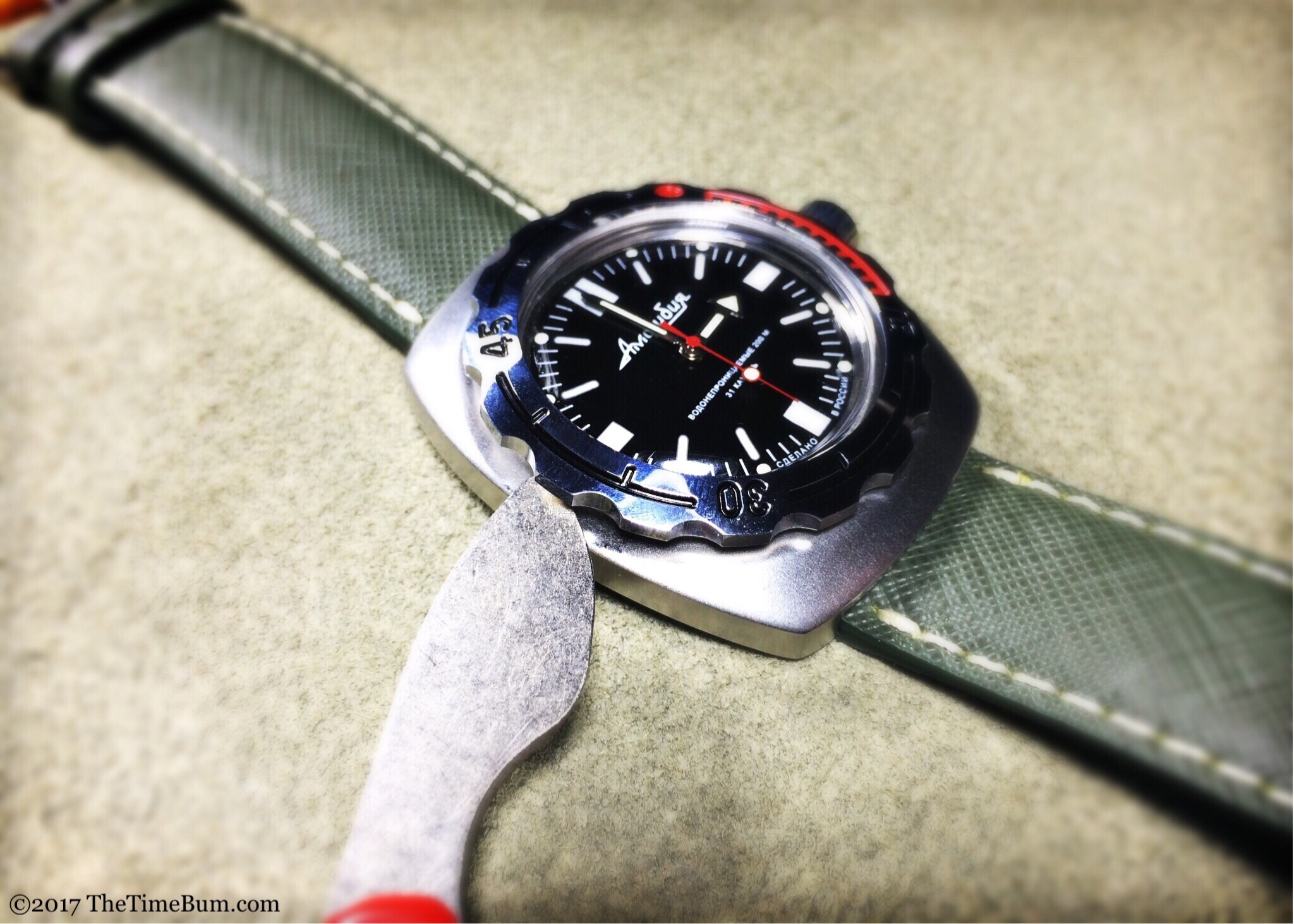 Removing bezel from Vostok Amphibia