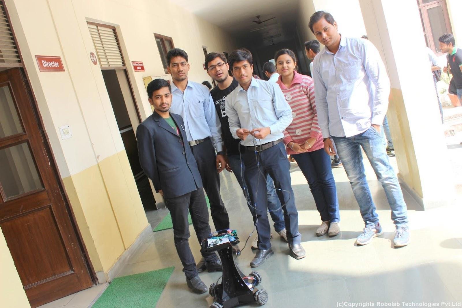 SunderDeep Group of Institutions, Ghaziabad Robolab (19).jpg