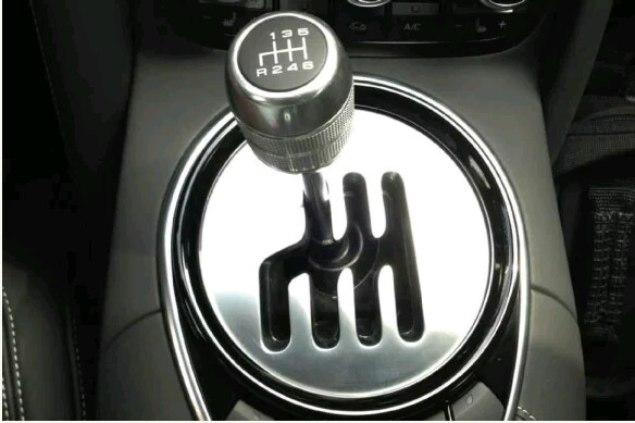 10 Reasons Why You Should Learn To Drive The Manual Car.