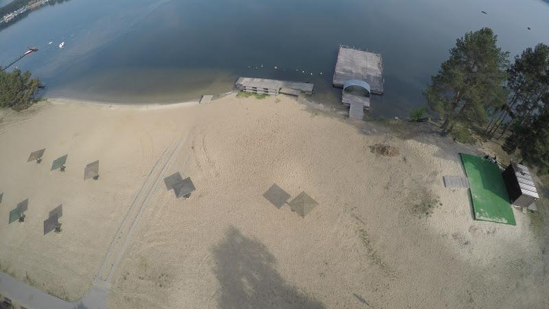 wynajem drona zdjęcia z lotu ptaka z drona jezioro w miejscowości Pieczyska koło Koronowa z lotu ptaka